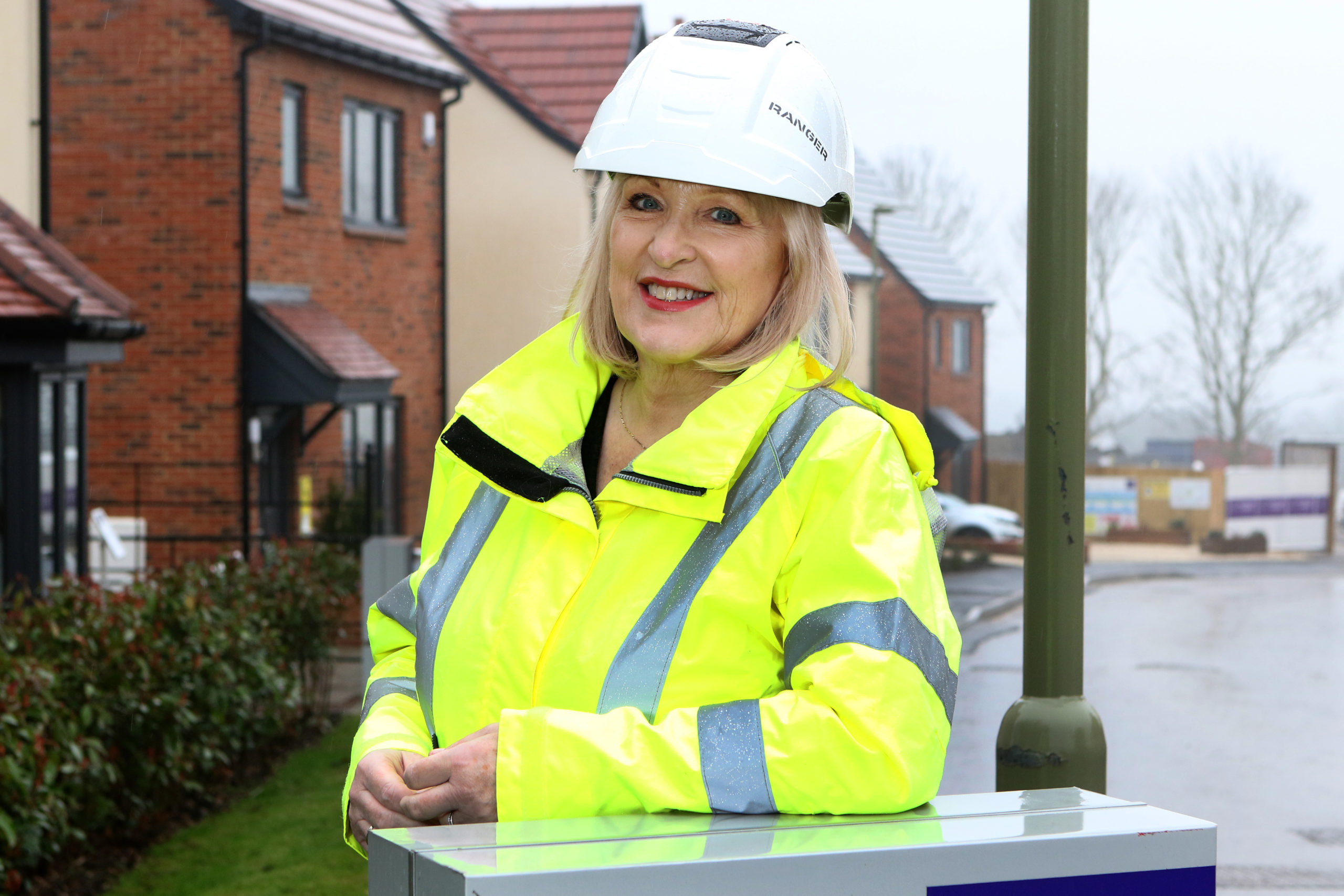 Oxfordshire Mind receives a donation from housebuilder Mactaggart & Mickel